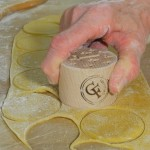 Cutting Corzetti