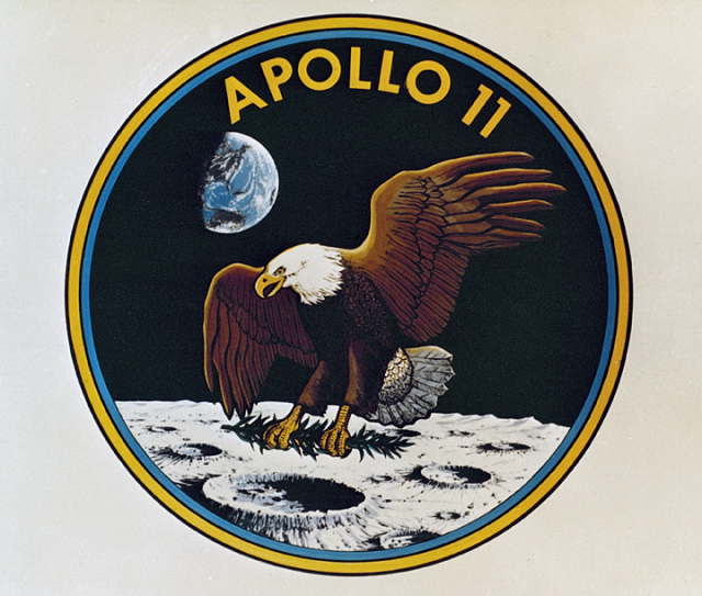 Apollo_11-Patch-640x543_798