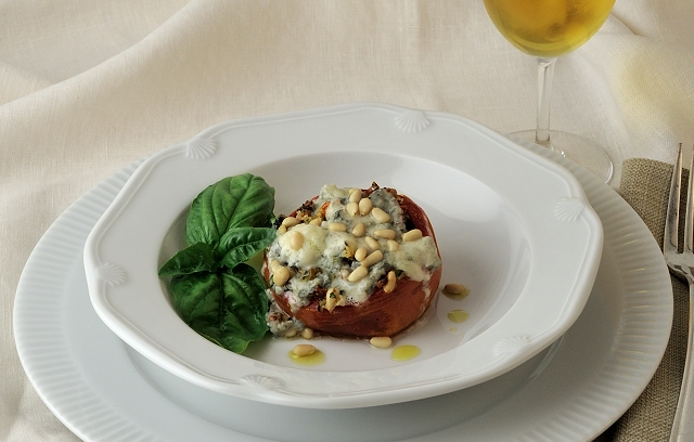 Stuffed Tomatoes with Pendolino olive oil